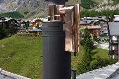 Feinstaubfilter auf dem Kamin aus Kupfer