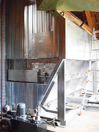Wood chips dryer with an integrated ESP (electrostatic precipitator)